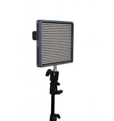 Aputure Amaran 672 - Video LED Lampe - CRI95+ AC/DC, fjernbetjening, knækled, lader og 2 stk 6600mah sony batterier